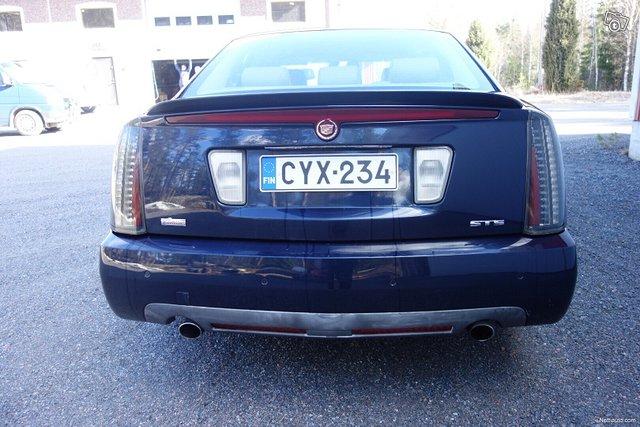 Cadillac STS 8