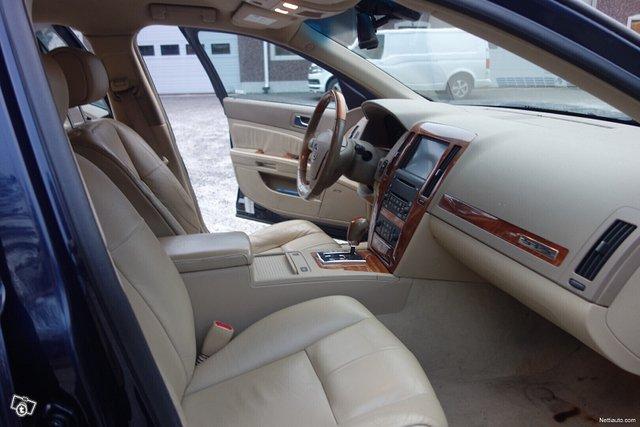 Cadillac STS 13