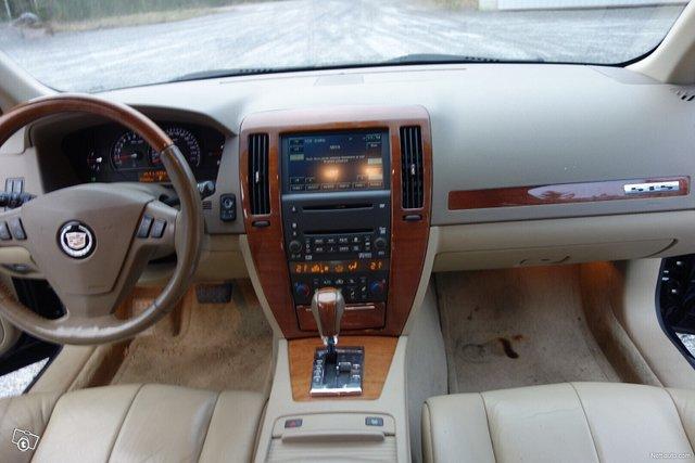 Cadillac STS 17