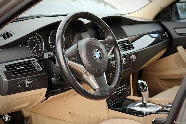 BMW 523 19