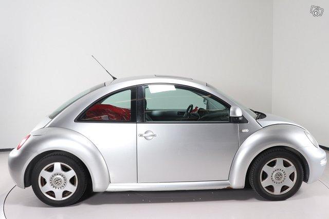 Volkswagen New Beetle 4