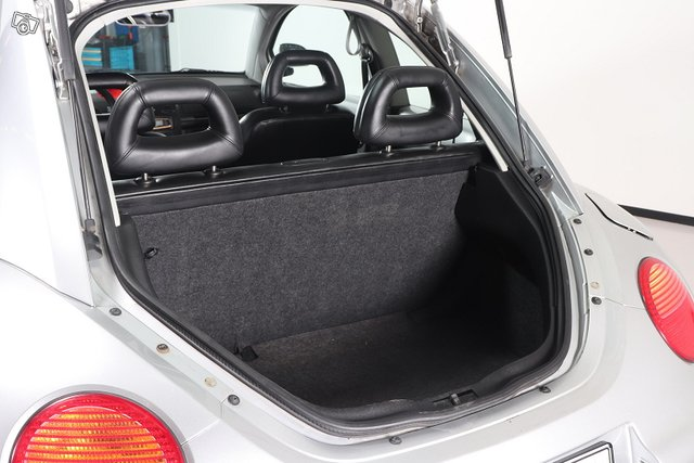 Volkswagen New Beetle 10