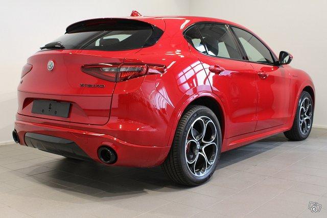Alfa Romeo Stelvio 18