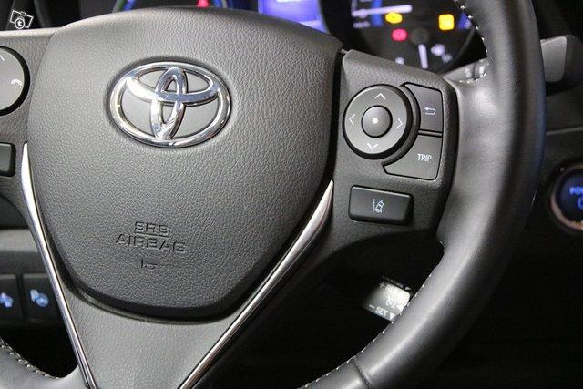 Toyota Auris 16