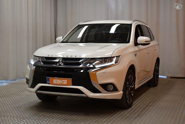 Mitsubishi Outlander PHEV 4