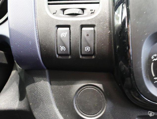 Opel Vivaro 23