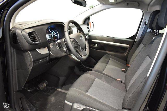 Opel Zafira-e 6