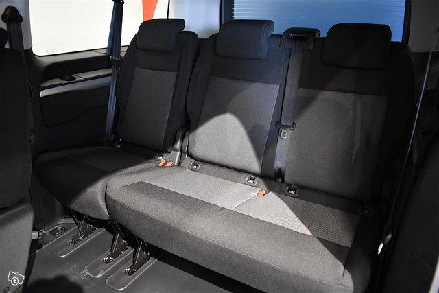 Opel Zafira-e 9