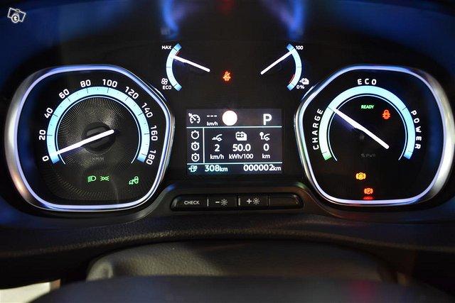 Opel Zafira-e 13