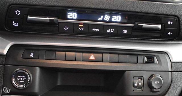 Opel Zafira-e 18