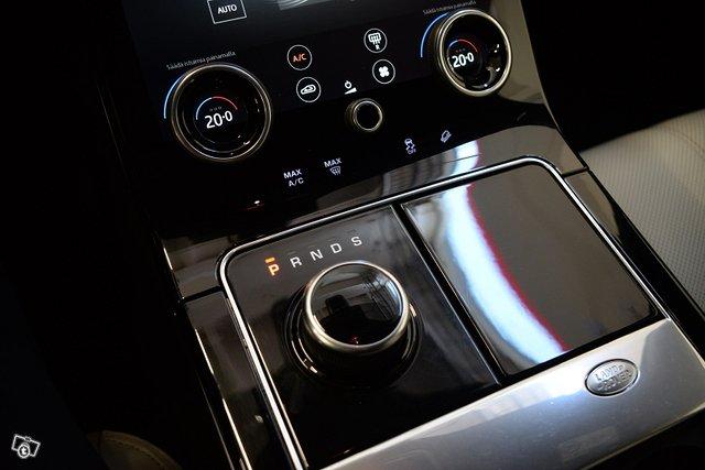Land Rover Range Rover Velar 13