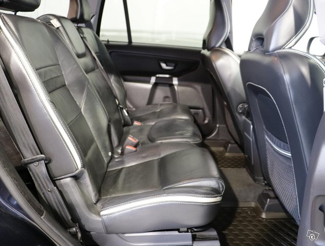 Volvo XC90 12