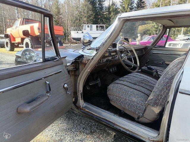 Dodge 880 18