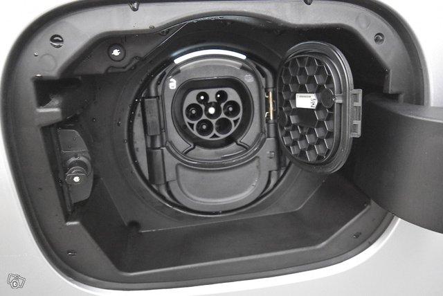 Mercedes-Benz B 24