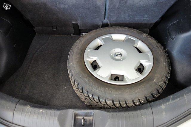 Nissan Tiida 16