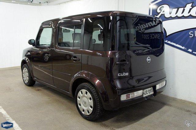 Nissan Cube 5
