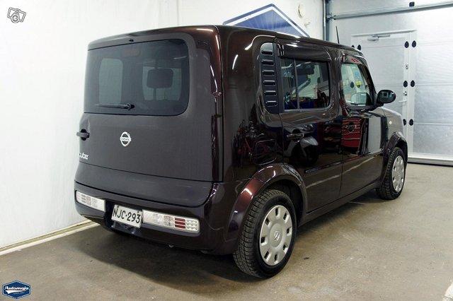 Nissan Cube 6