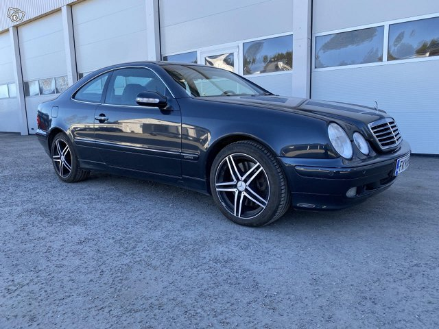 Mercedes-Benz CLK 430 2