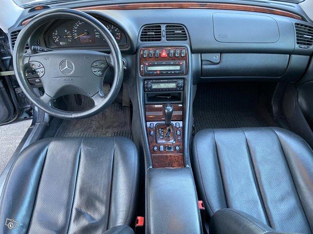 Mercedes-Benz CLK 430 10