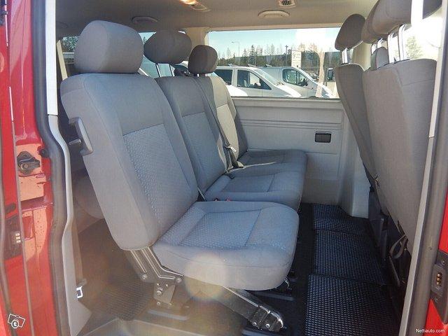 Volkswagen Caravelle 9