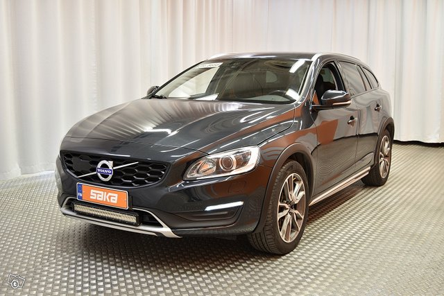 Volvo V60 Cross Country 5