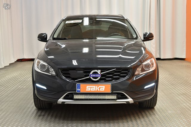 Volvo V60 Cross Country 7