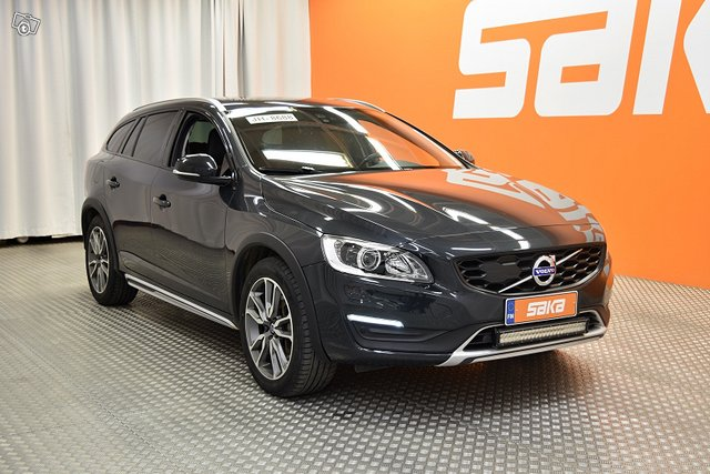 Volvo V60 Cross Country 8