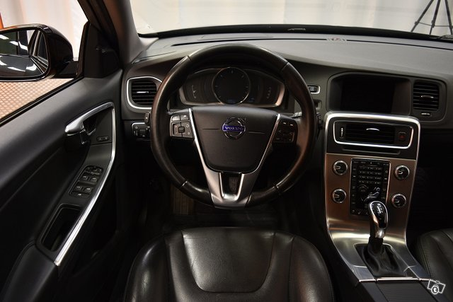 Volvo V60 Cross Country 16