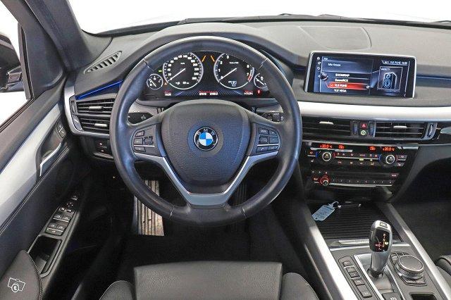 BMW X5 8