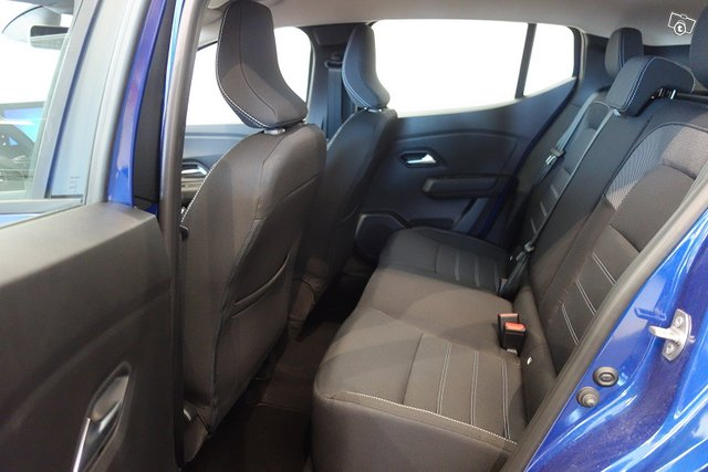 Dacia SANDERO 6