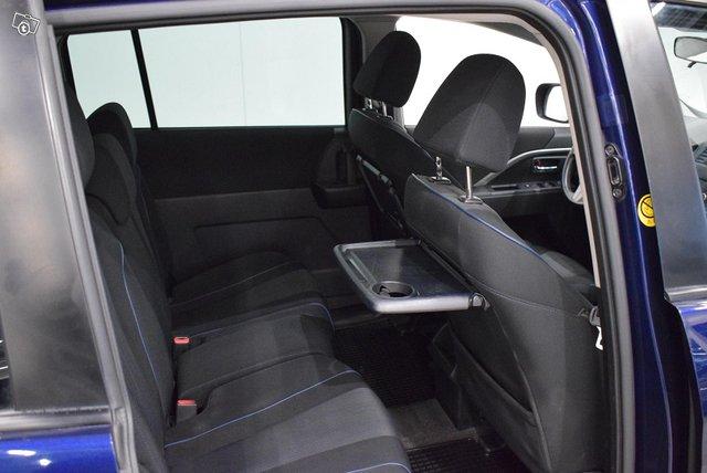 Mazda 5 13