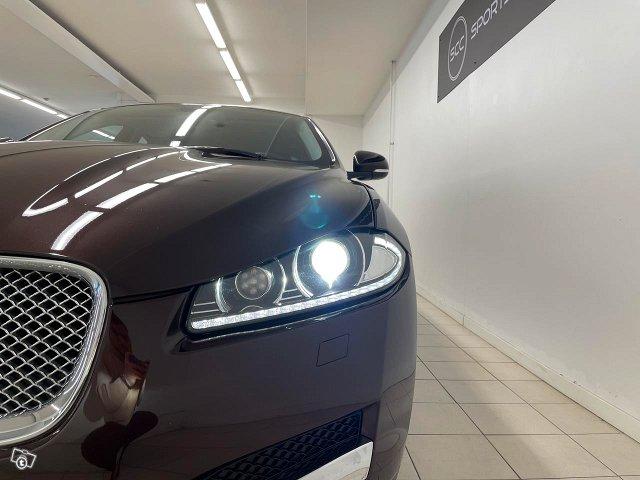 Jaguar XF 16