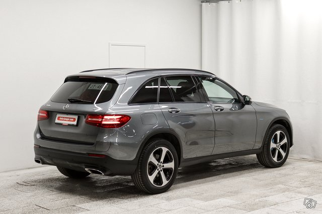 MERCEDES-BENZ GLC 2