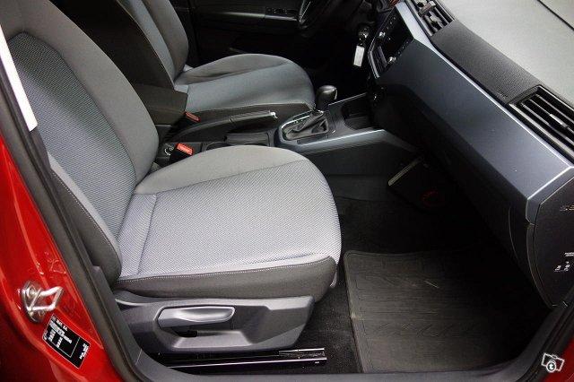 Seat Arona 8