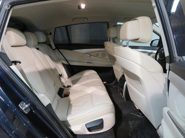 BMW 530 Gran Turismo 10