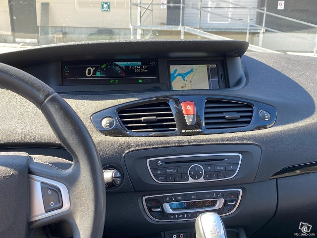 Renault Scenic 15