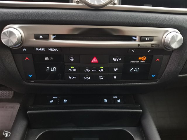Lexus GS 19
