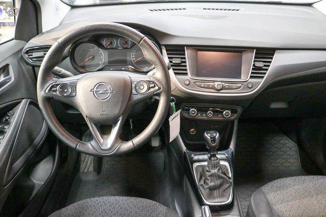 Opel Crossland X 8