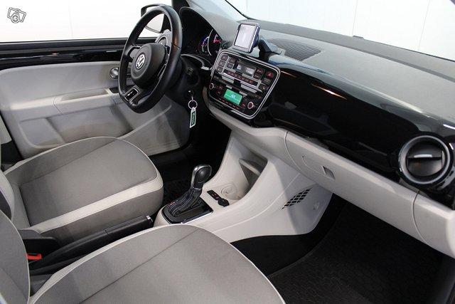 Volkswagen Up 11