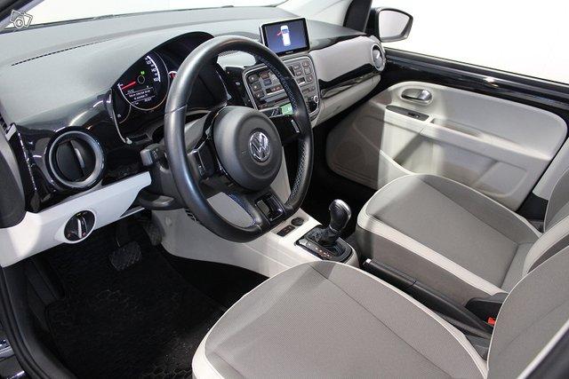 Volkswagen Up 17