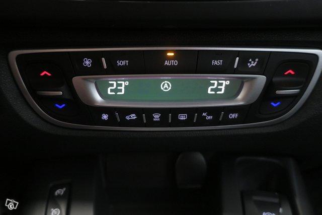 Renault Grand Scenic 11