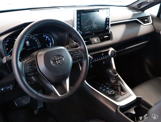Toyota RAV4 Plug-in 7