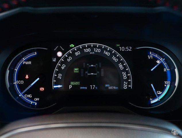 Toyota RAV4 Plug-in 11