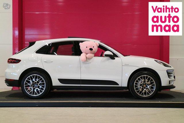 Porsche Macan 2