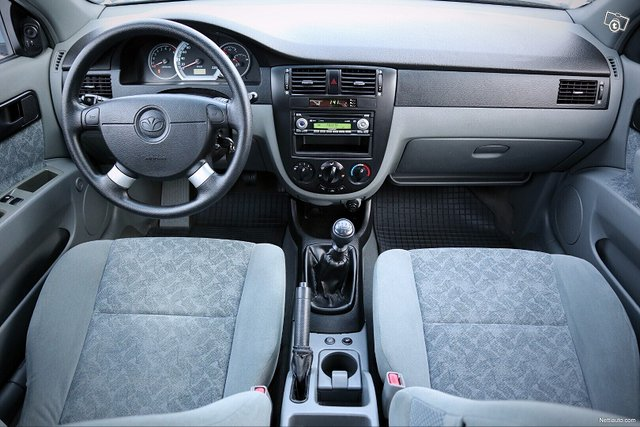 Chevrolet Nubira 13