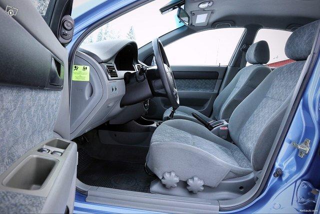 Chevrolet Nubira 18
