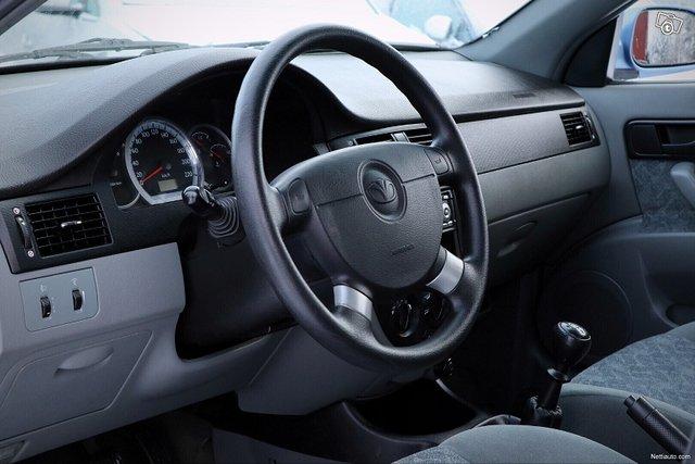 Chevrolet Nubira 19