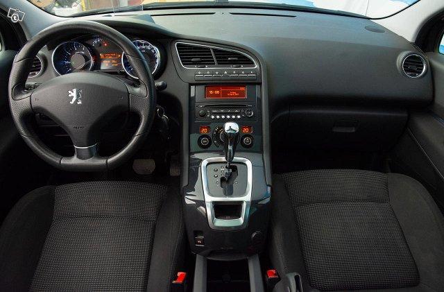 Peugeot 5008 12