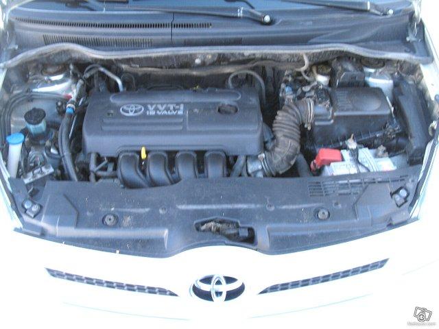Toyota Corolla Verso 18