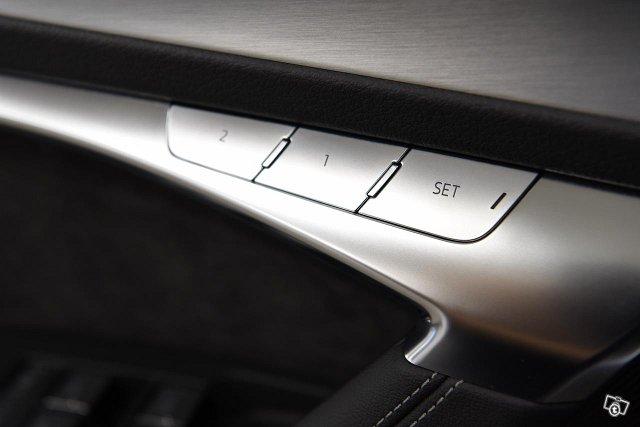 Audi S6 14